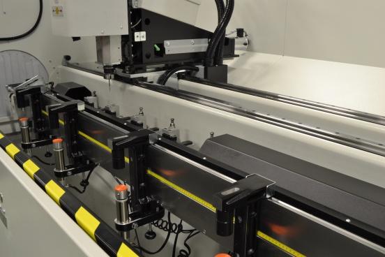 Adir C1 centro de mecanizado aluminio